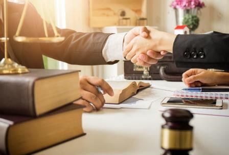 Нюансы выбора хорошего адвоката